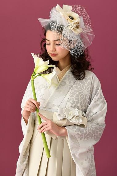 [hakama00386]白に、薄グレーと薄モカの菊 くすみパステル 女卒業式袴2尺袖